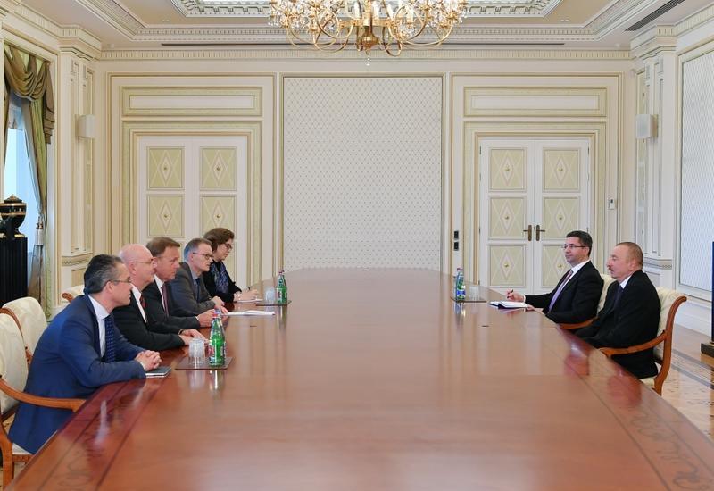Президент Ильхам Алиев принял вице-президента Бундестага