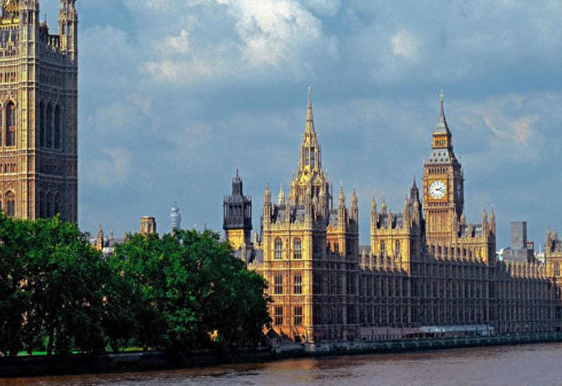 Три кандидата на пост премьера Британии выбыли после первого раунда