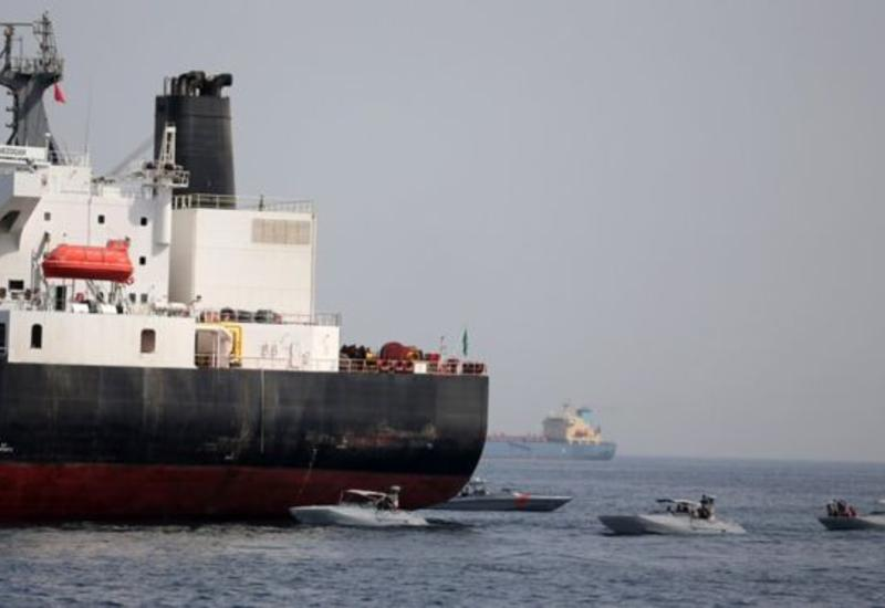 Британия начала расследование инцидента с танкерами в Оманском заливе