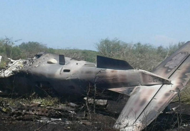 Во Вьетнаме разбился военный самолет