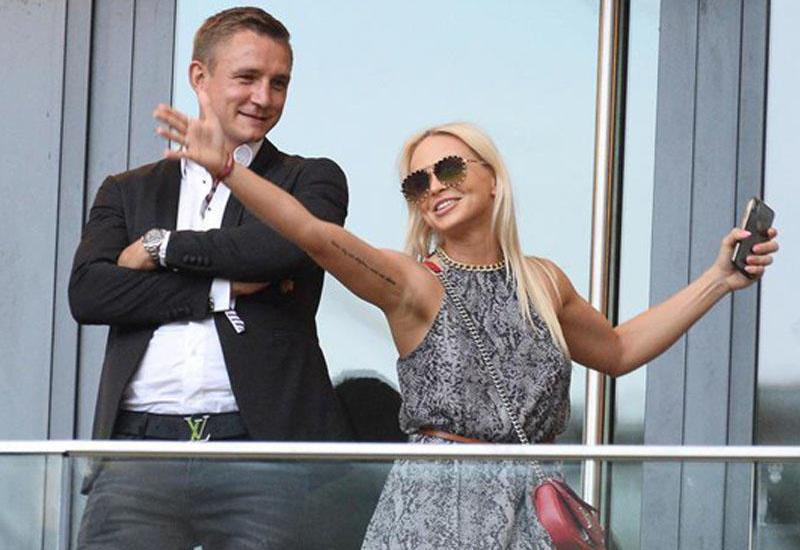 """""""Qarabağ""""dan ayrıldı, arvadından boşandı, yeni sevgili tapdı"""