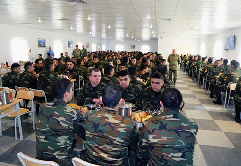 В воинских частях Азербайджана пройдет День открытых дверей