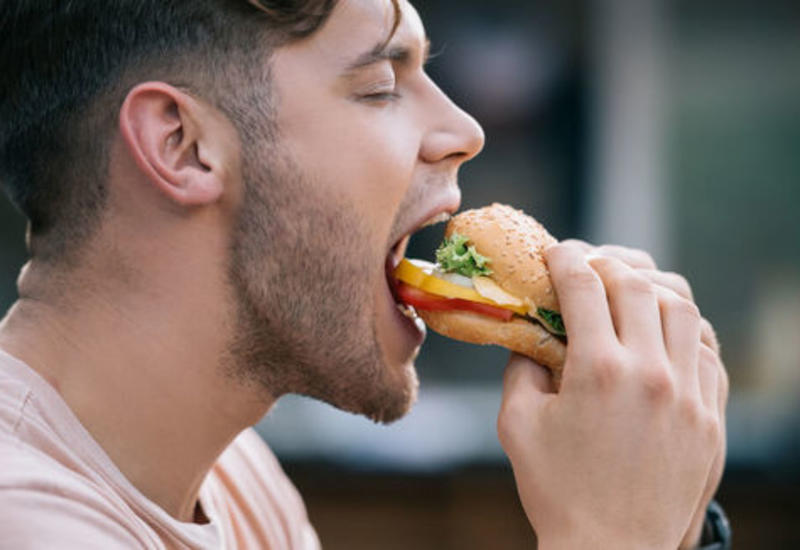 """""""Fast food""""un böyük təhlükəsi aşkarlandı"""