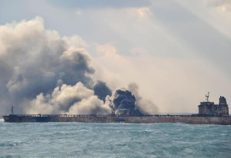 Военные Ирана сняли с борта одного из танкеров в Оманском заливе неразорвавшуюся мину - СМИ