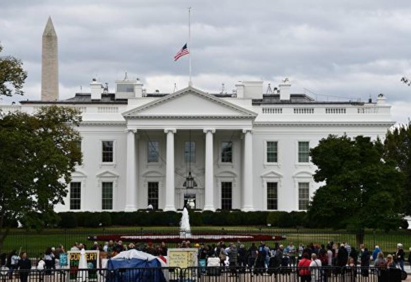 В США задержали мужчину за попытку проникнуть на территорию Белого дома