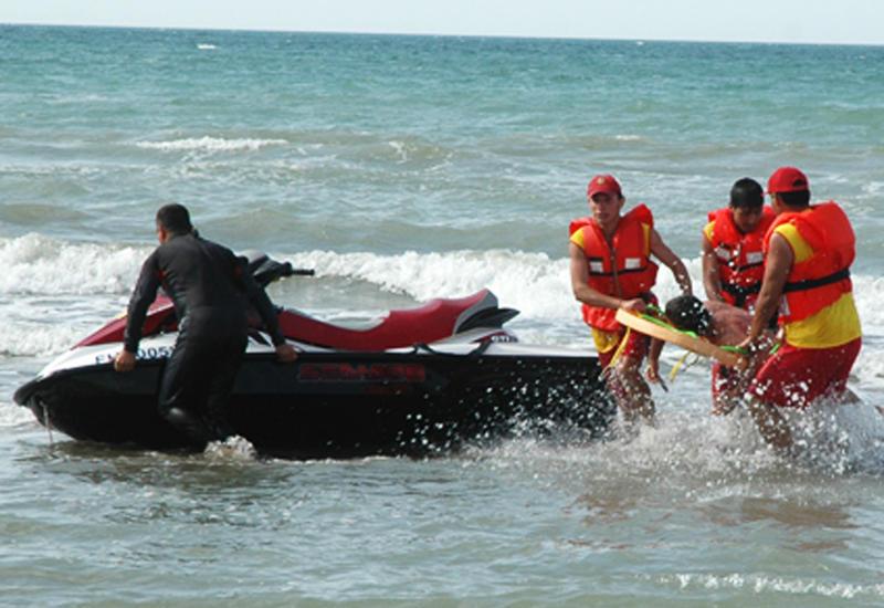 В Баку в море утонул подросток