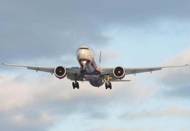 Самолет Buta Airways вернулся в Баку из-за плохой погоды в Батуми