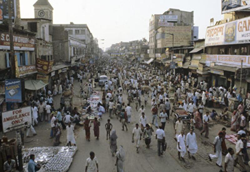 В Индии пропал иллюзионист, пытаясь порвать оковы под водой