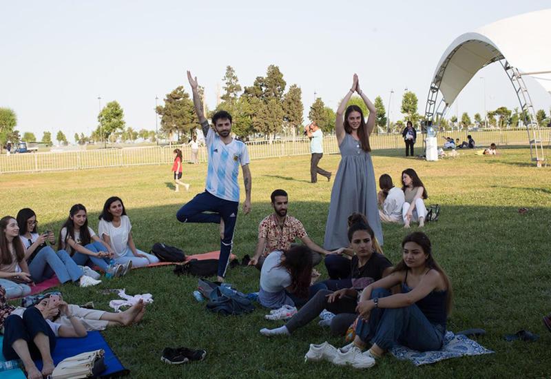 В Баку прошел масштабный Фестиваль йоги и здоровья