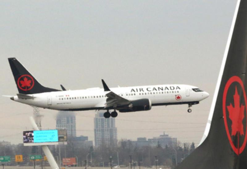 В Канаде женщина уснула и осталась одна в темном самолете