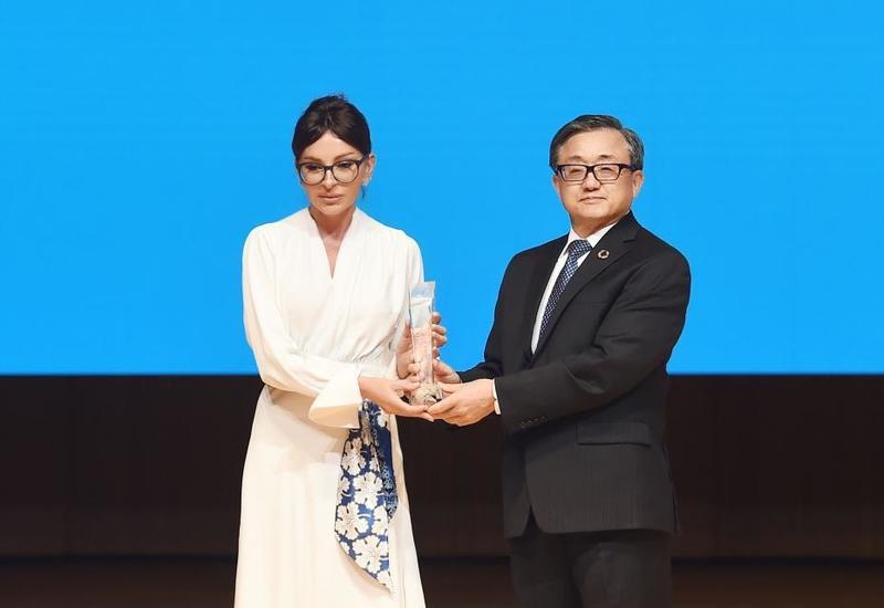 Первому вице-президенту Мехрибан Алиевой вручена специальная премия ООН