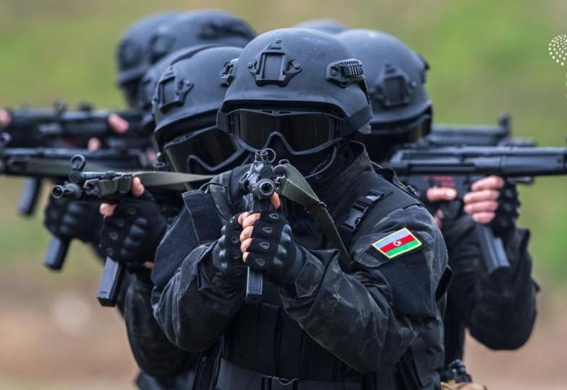 Baku Media Center подготовил фоторепортаж в связи с Днем Вооруженных сил Азербайджана