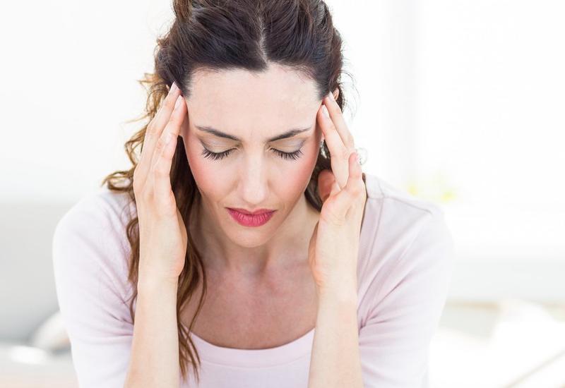 Закладывает уши: очемможет говорить этот симптом?