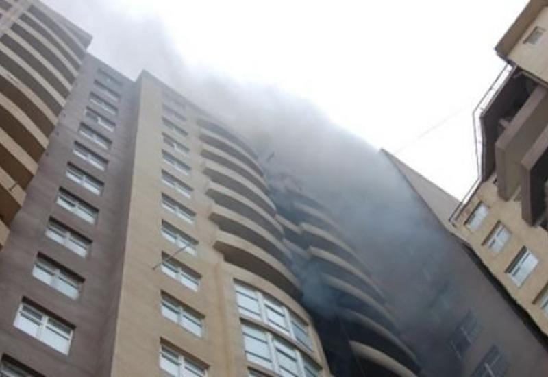 Крупный пожар в центре Баку