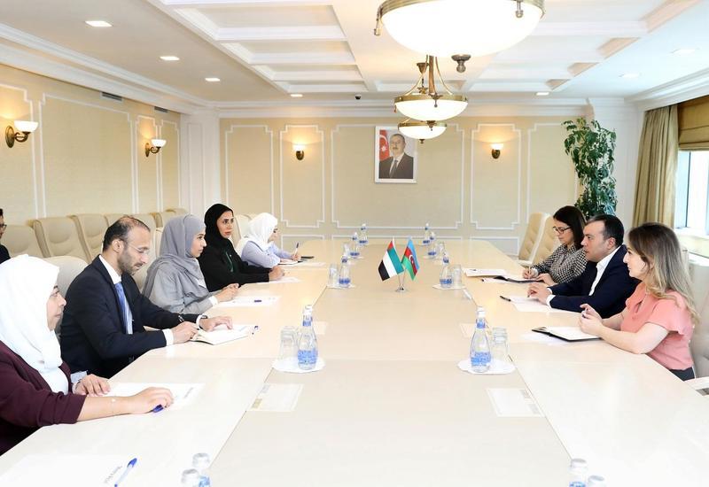 Азербайджан и ОАЭ намерены сотрудничать в сфере труда и соцзащиты