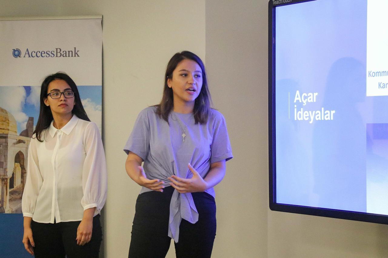 AccessBank tələbələrarası müsabiqənin qaliblərini mükafatlandırıb