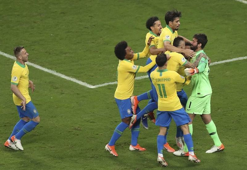 Сборная Бразилии стала первым полуфиналистом Кубка Америки по футболу
