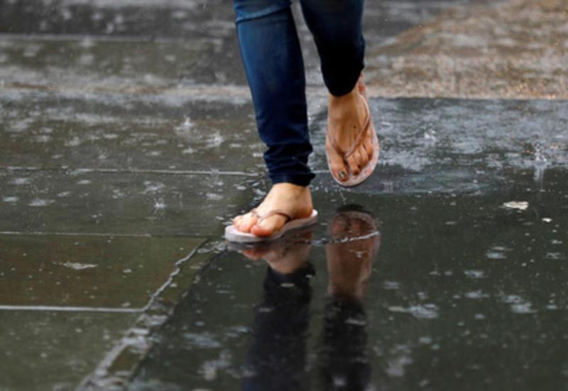 Популярная летняя обувь оказалась опасной для здоровья