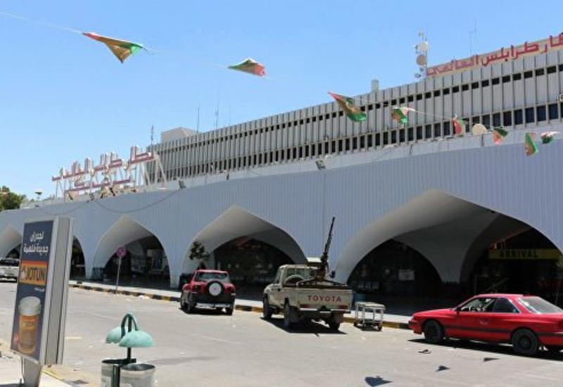 Международный аэропорт в Триполи восстановил работу после авиаудара