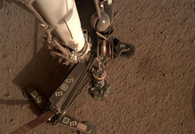 """Ученые НАСА сделали большой шаг к спасению марсианского """"крота"""""""