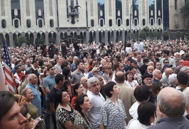 В Грузии продолжаются акции протеста