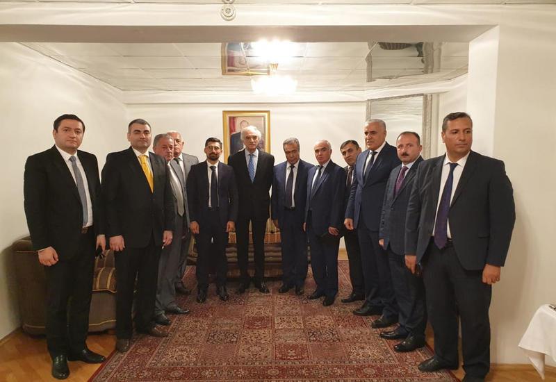 Руководители ведущих азербайджанских СМИ отправились с визитом в Москву