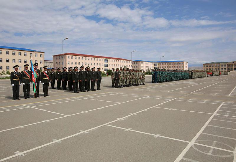 Церемония выпуска в Нахчыванском гарнизоне