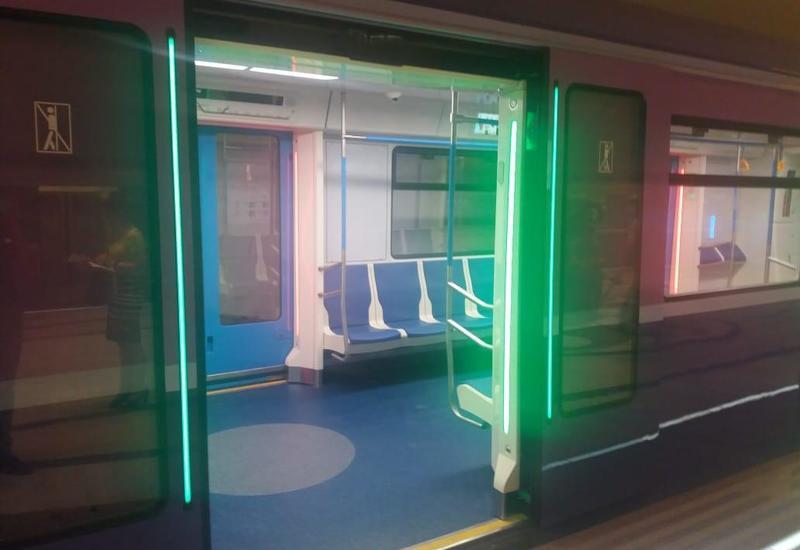 Bu da Bakı metrosuna yeni gətirilən qatarlar
