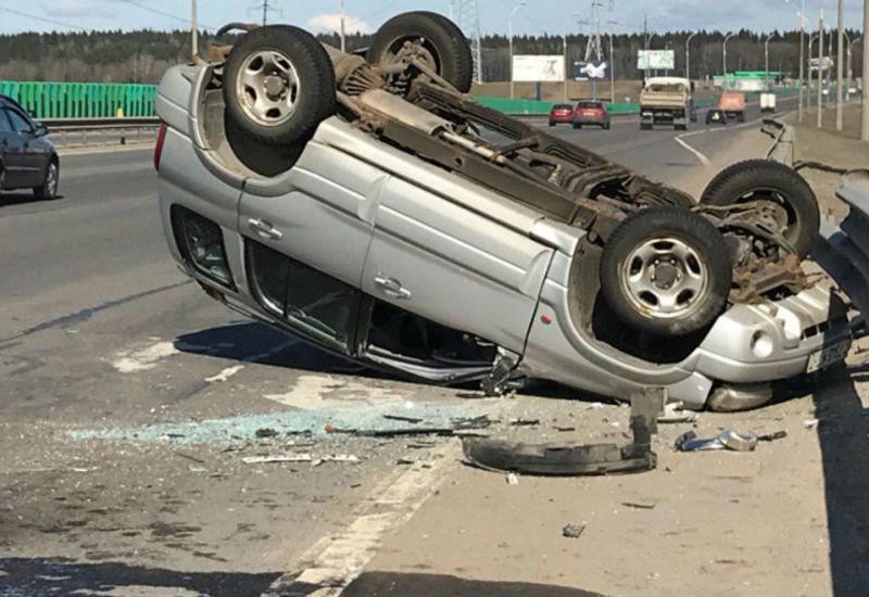 В Беларуси перевернулся внедорожник Mercedes, погибли малолетние дети