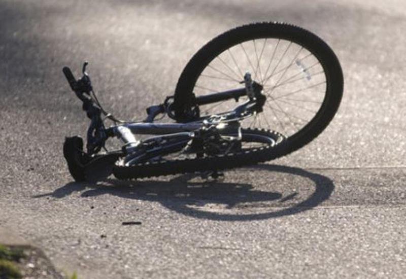 В Баку автомобиль сбил 67-летнего велосипедиста