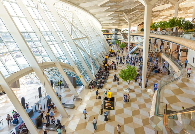 За первые полгода 2019 года международные аэропорты Азербайджана обслужили 2,4 млн. пассажиров