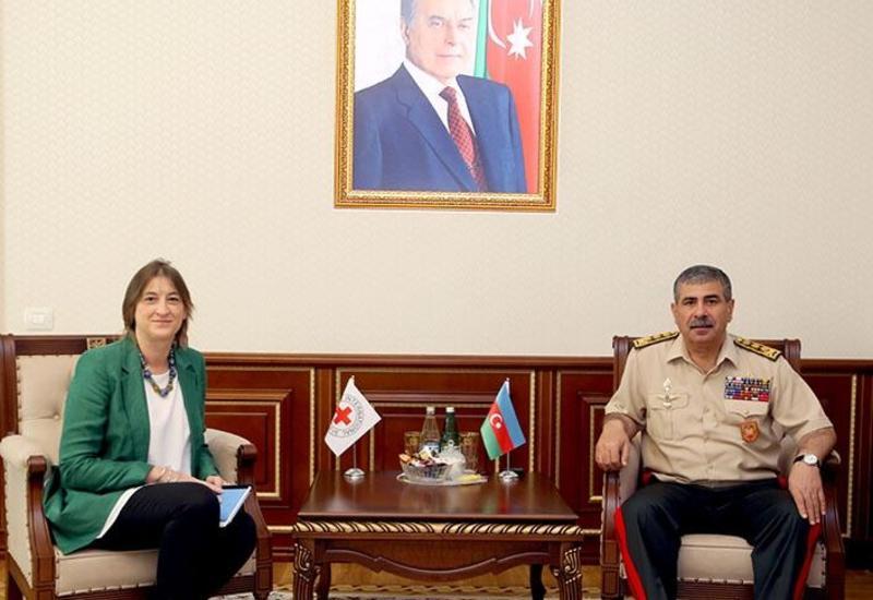 Закир Гасанов на переговорах с главой представительства Красного креста в Азербайджане