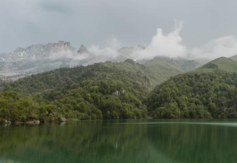 Волшебно: Озеро Гёйгёль в объективе Рустама Магеррамова