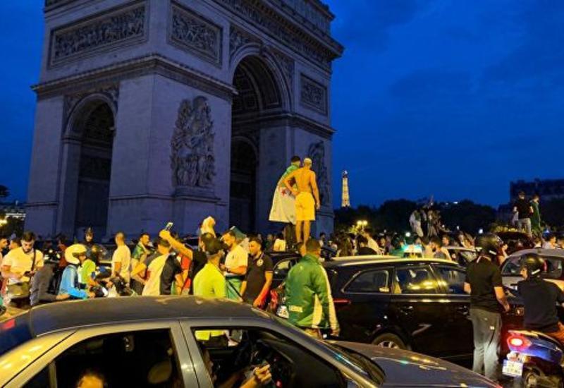 Болельщики алжирской сборной устроили погромы в центре Парижа