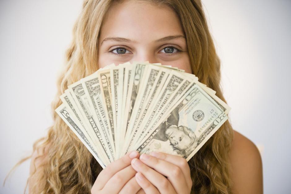 Прикольная картинка девушка с деньгами