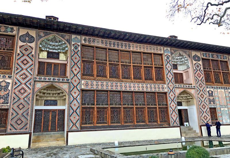 Вход на территорию Ханского дворца в Шеки временно закрывается