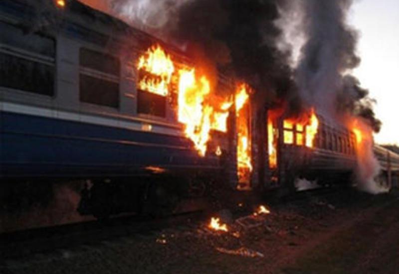 В бакинском поселке загорелся грузовой вагон