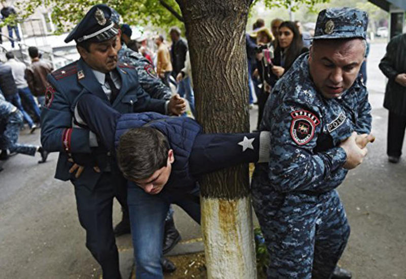 В Армении полиция разогнала протестующих
