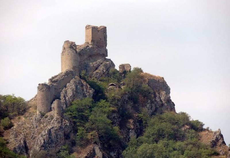 В Азербайджане отреставрируют древнюю крепость