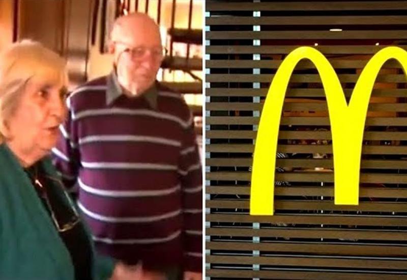 Пожилая пара наслаждалась едой, пока менеджер не сказал им то, что их разозлило