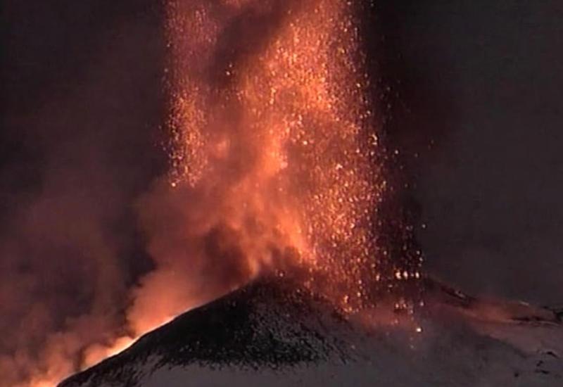 Сейсмологи зафиксировали усиление активности вулкана Этна на Сицилии