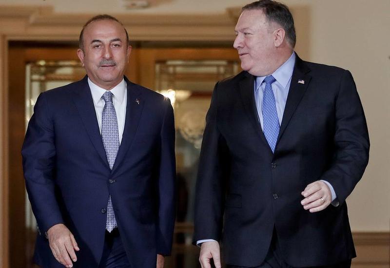 Главы МИД Турции и США обсудили ситуацию с С-400