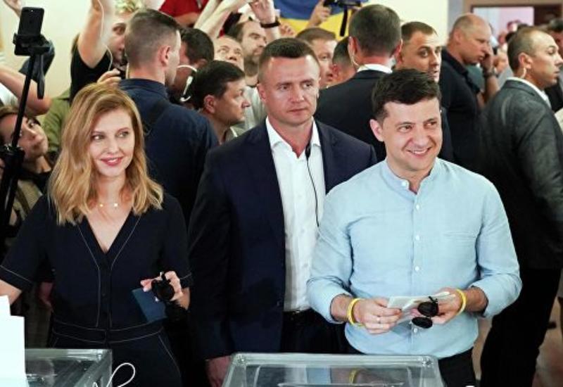 Владимир Зеленский намерен добиться снятия неприкосновенности с депутатов Рады