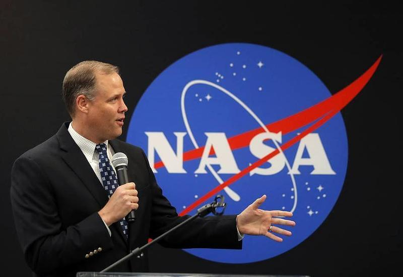 Глава NASA заявил о необходимости вести поиски жизни на Марсе