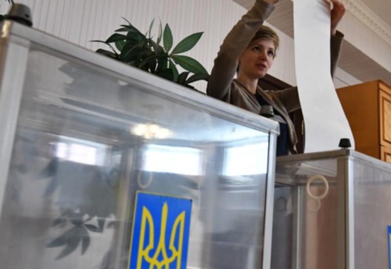 На выборах в Раду явка составила почти 14%