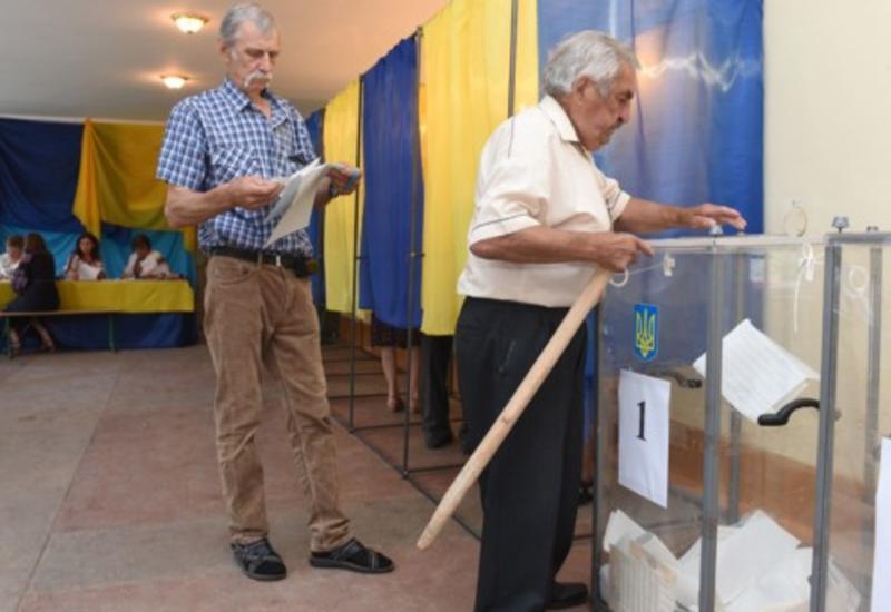 На досрочных выборах в Верховную Раду проголосовали более трети избирателей