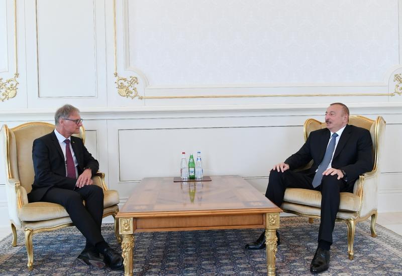 Президент Ильхам Алиев принял верительные грамоты новых послов Швейцарии и Германии