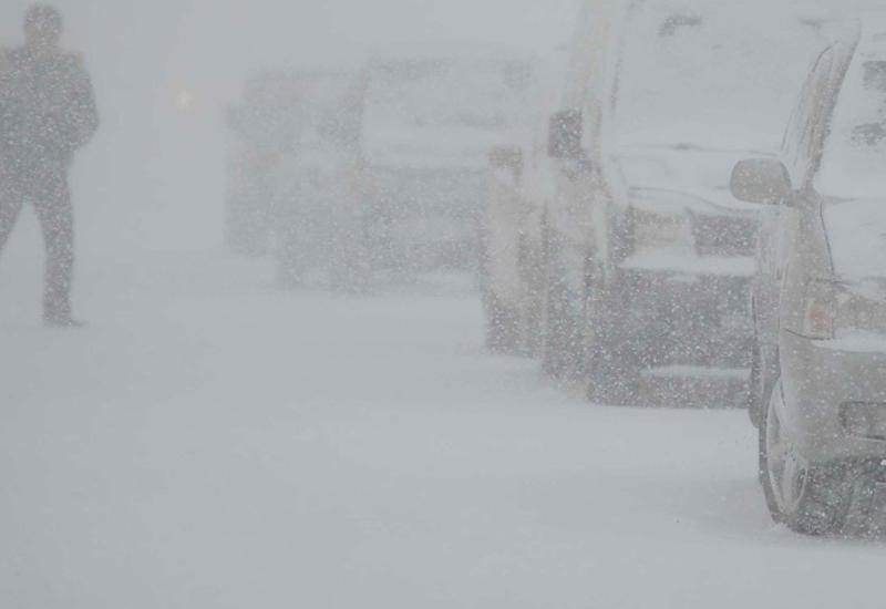 Зима летом: в России пошел снег