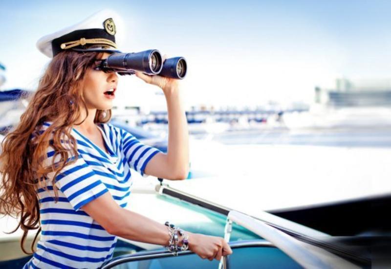 Три полоски на воротнике моряка: откуда пошла традиция