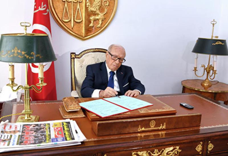 СМИ назвали возможную причину смерти президента Туниса